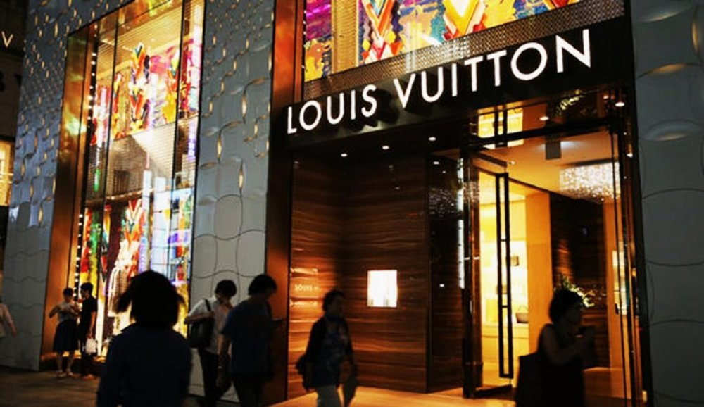 The Psychology Behind Buying Luxury Goods