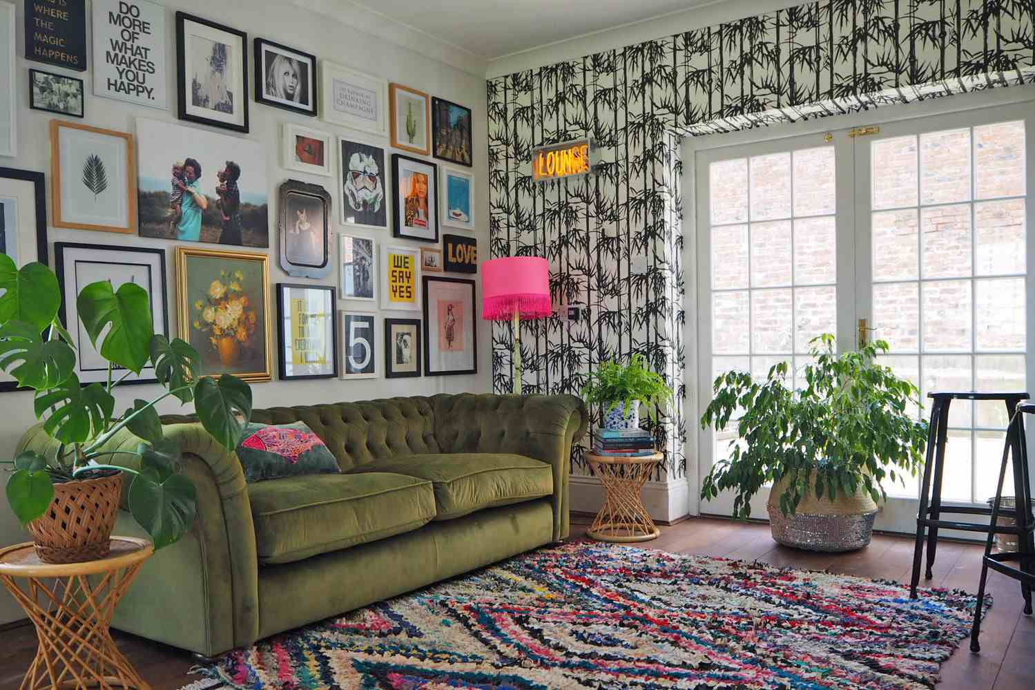 How to make magic with artificial green walls